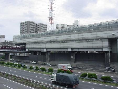 大坂モノレール山田駅.jpg