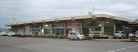 石動駅舎.jpg