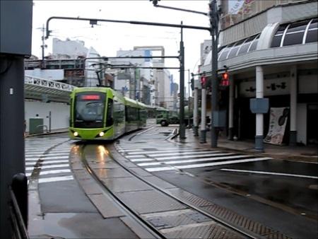 福井駅に進入するフクラム.jpg